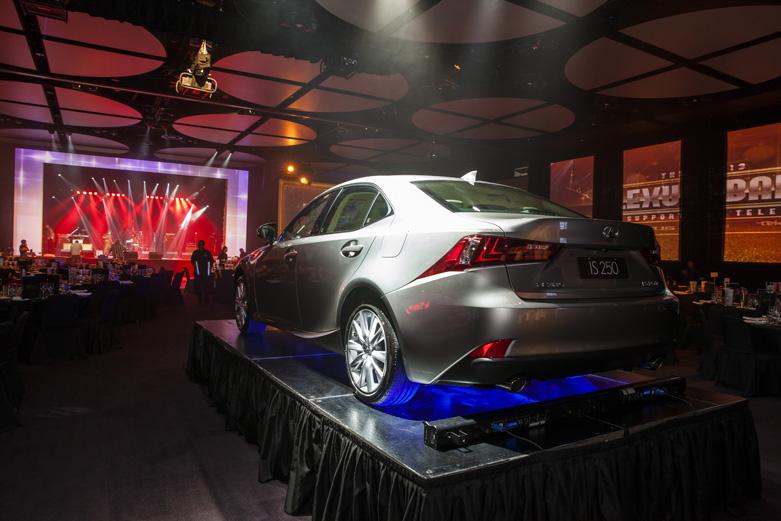 LexusBall13-004
